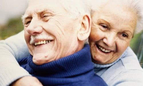 Болезнь Паркинсона – причины и первые симптомы