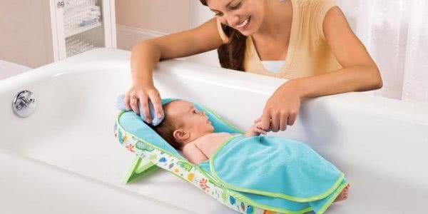 Горка для купания <a href='https://med-tutorial.ru/m-lib/b/book/4192350697/3' target='_self'>новорожденных</a>: виды, правила выбора и эксплуатации
