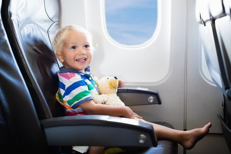 Как облегчить перелет с ребенком?