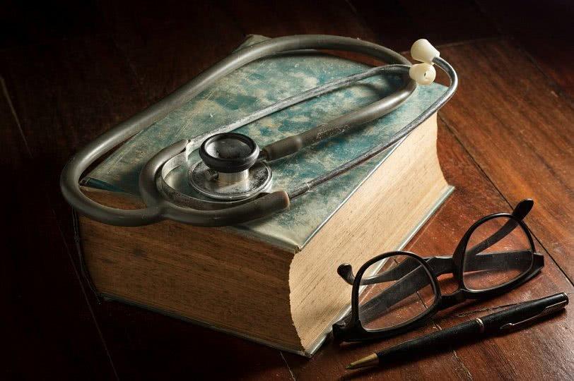 Как раньше лечили простуду, туберкулез и кариес