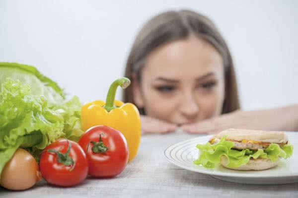 Как соблюдать диету и не сорваться? 7 советов