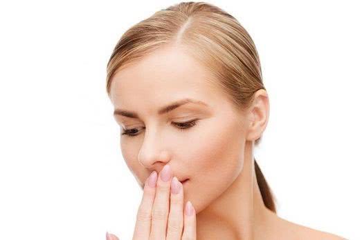 Как вылечить жировики на лице?