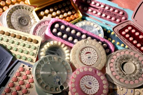 Комбинированные оральные контрацептивы: показания, противопоказания, возможные осложнения