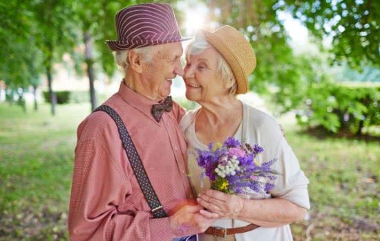 Почему женатые люди живут дольше, чем одинокие?