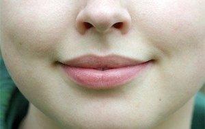 Уход за губами в зимне время: маски, пилинги, бальзамы