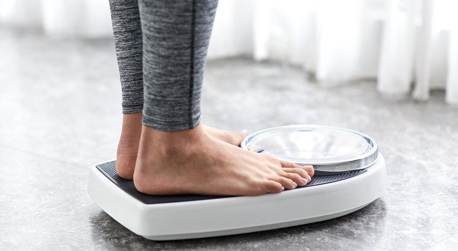 Выбросьте это немедленно: привычные предметы, из-за которых мы толстеем