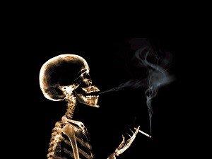 Курение - причина кровоточивости десен