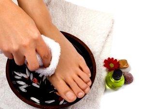 Ванная для кожи на ногах