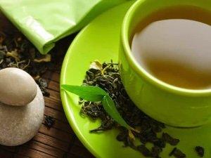 Польза зеленого чая для удаления лишней воды из организма